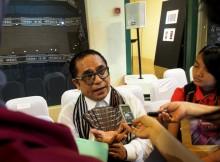 Tenun Maluku Tenggara:  Sebuah Evolusi Kain Tenun dalam Komposisi Warna_Samuel watimena